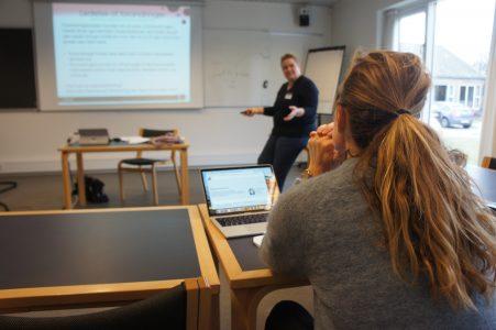 Elever som rutinerede praktikere med digitale instinkter