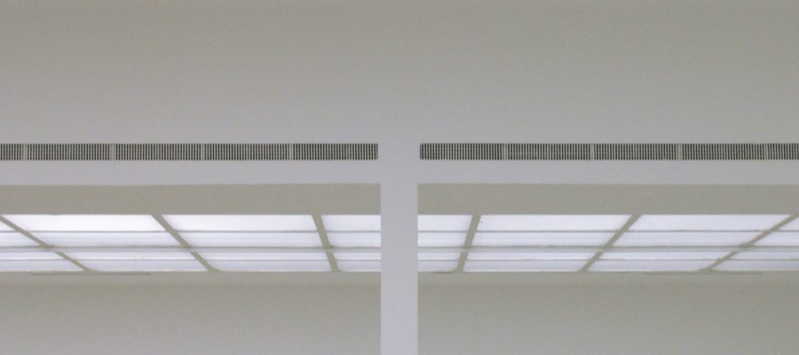 """Brian O'Doherty's """"Inside the White Cube. The Ideology of the Gallery Space"""""""